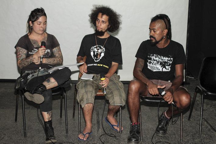 Cinema-Anarquista-na-Atualidade-com-integrantes-do-coletivo-organizador-do-Festival01ELAINECAMPOS